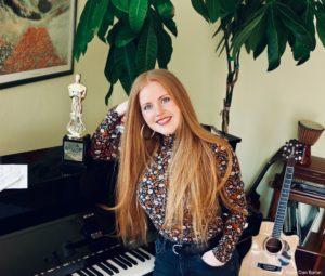 """Preisgekrönt: Für den sorbischen Song """"Tysac Cowanjow"""" erhielt die Wahl-Leipzigerin den ersten Preis in der Kategorie Singer/Songwriter beim Deutschen Rock & Pop Preis 2020. Foto: Dan Baron"""